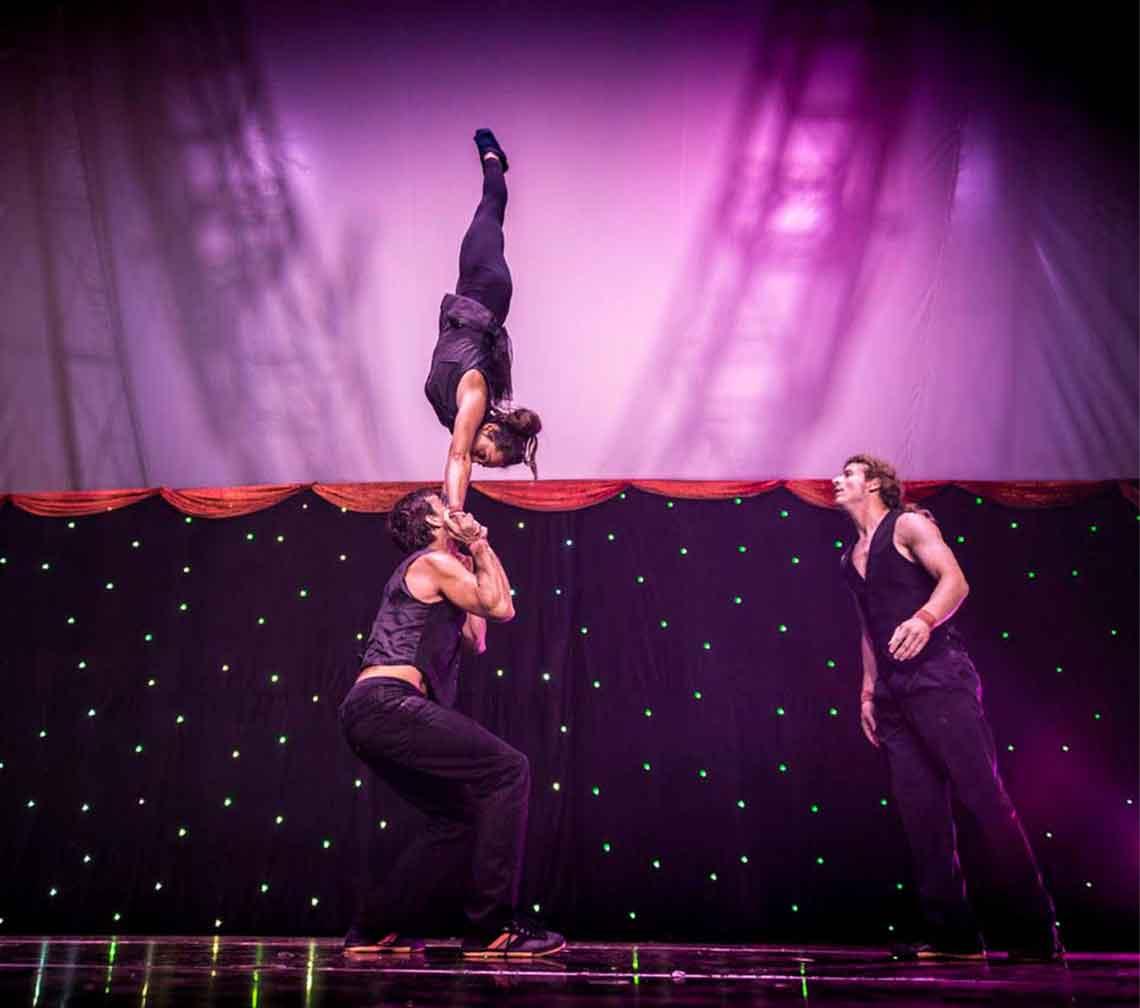 duo acrobatics lunar circus training