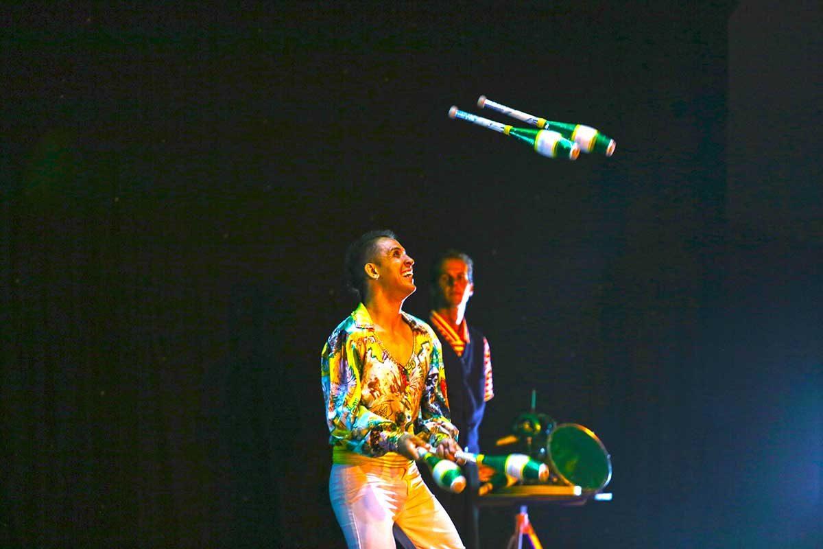 Piva-juggler-karnidale-festival