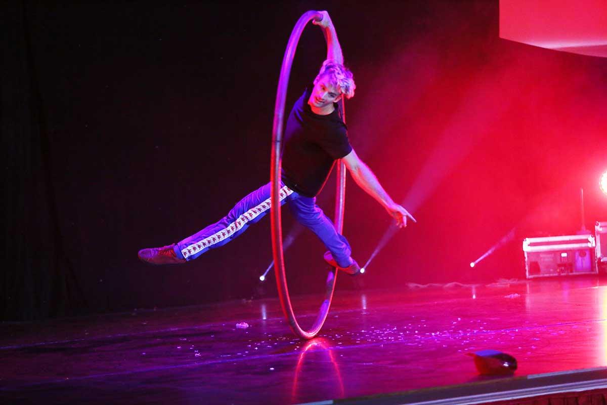 Will Anton Rou cyr at Karnidale The Western Australian Circus Festival